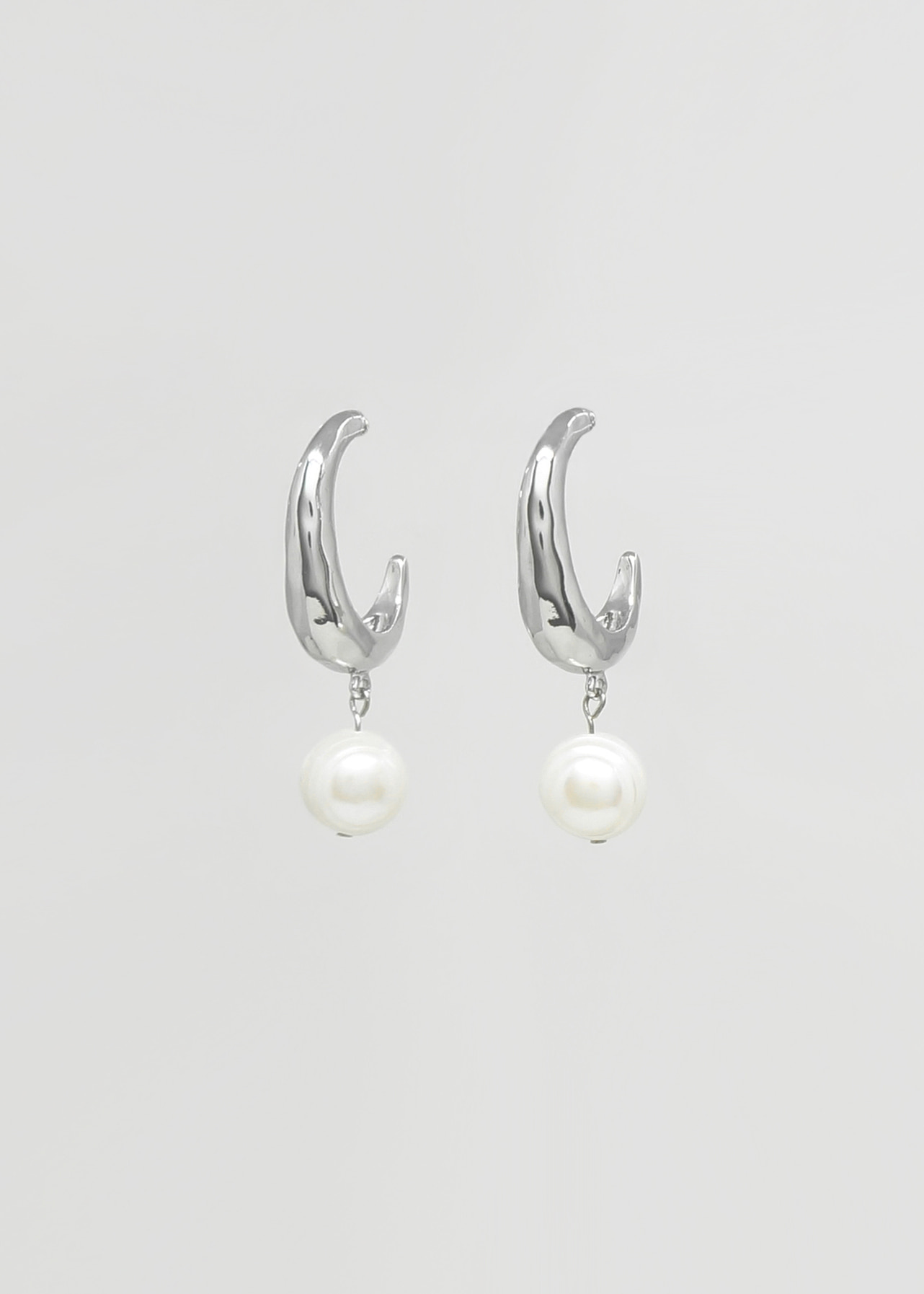 담수진주 해머드 후프이어링  Hammered Hoop Earring with Freshwater Pearls