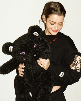 [퓨자 Fuza] FUZA BEAR EMBROIDERED SWEATSHIRT BLACK